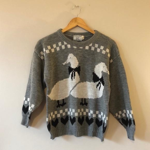 Vintage novelty sweater gray ducks hearts knit
